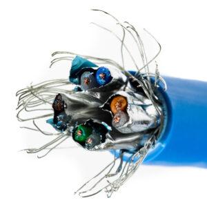 Kabel linka kat.7 S/FTP LSOH niebieski – Telegartner